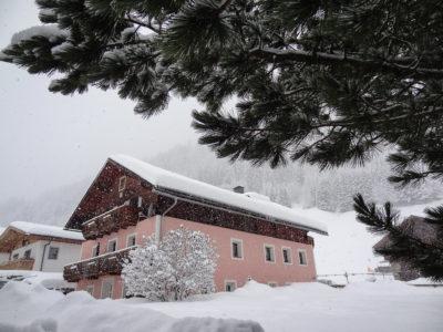Urlaub im Ferienhaus Meins in Osttirol direkt neben Schilift und Piste